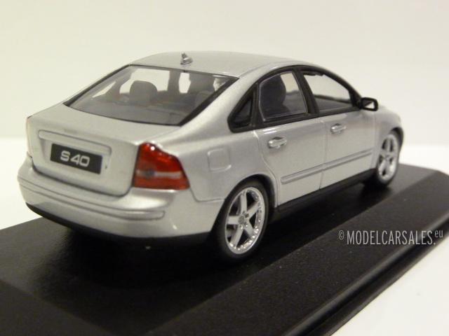 Volvo S40 Silver 1:43 400171202 MINICHAMPS diecast model car