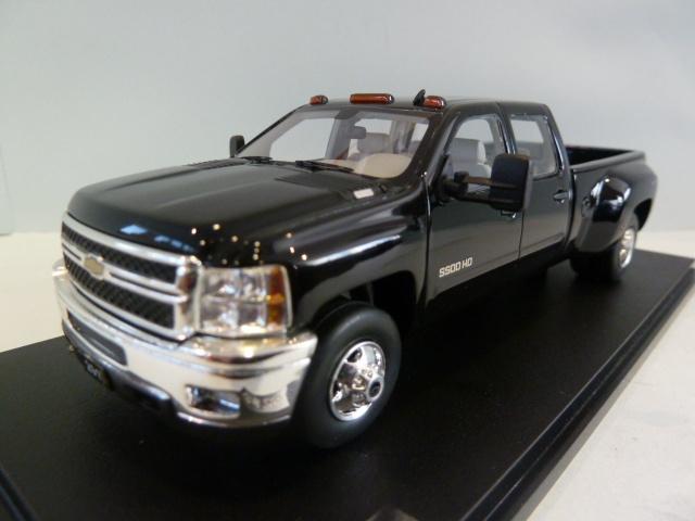 Chevrolet Silverado 3500 HD Big Dooley Black 1:43 ...