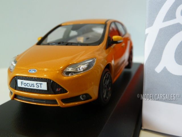 Ford Focus ST Tangerine Scream 143 413381000 MINICHAMPS diecast model car / scale model For Sale & Ford Focus ST Tangerine Scream 1:43 413381000 MINICHAMPS diecast ... markmcfarlin.com