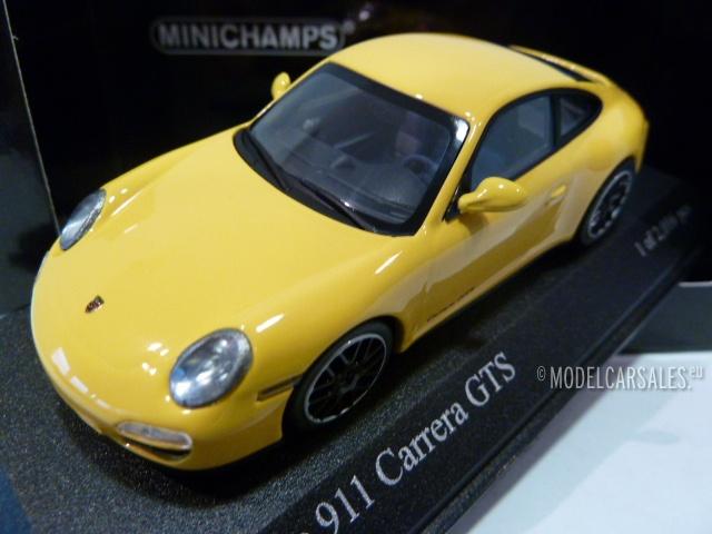 Carrera GTS Coupe 2011 yellow 997 II 1:43 Minichamps Porsche 911