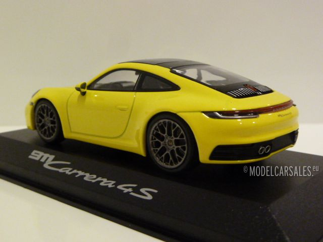 Porsche 911 992 Carrera 4s Coupe Racing Yellow 143